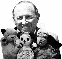 Harry Corbett with Sooty, Sweep, and Soo. Always felt sorry for Sweep, Sooty was very mean to him. 1970s Childhood, My Childhood Memories, Vintage Television, The Lone Ranger, Kids Tv, Old Tv Shows, Thing 1, Vintage Tv, My Youth
