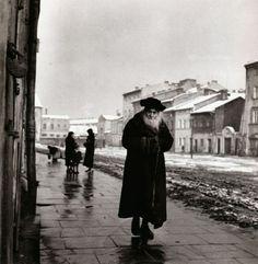 Roman Vishniac (Rusia) Talmudic Scholar Kraków, Poland, circa 1935-1939