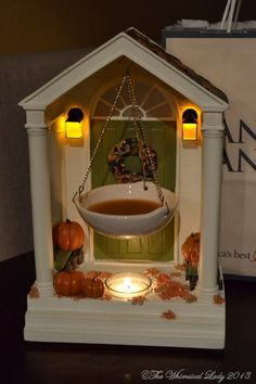 Yankee Candle Tart Warmer for Fall. This is incredible. Hubby got me one and won't tell me from where. Would love to give one as a gift. Glade Candles, Oil Candles, Scented Candles, Candle Wax, Yankee Candle Scents, Yankee Candles, Halloween Candles, Fall Halloween, Tart Warmer