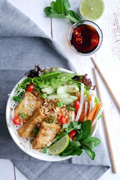 I first tried bun cha when my husband and I moved to London, England. We lived just down the street from an amazing Vietnamese restaurant, and every time we went there, I'd order the bun cha with tofu.