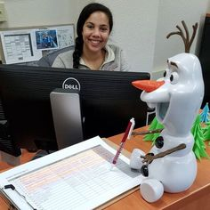 Olaf is signing up for Drop-in Career Advising. Noon-1 today is the final session this semester. CES is still open next week, and throughout much of the break, but you'll need to make an appointment. #olafinces