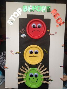 """Stop light for behavior with clothes pins. """"Stop before red"""" time out chart. Behavior Chart Preschool, Classroom Behavior Chart, Behavior Board, Toddler Behavior, Toddler Classroom, Behaviour Chart, Classroom Rules, Kindergarten Classroom, Classroom Activities"""
