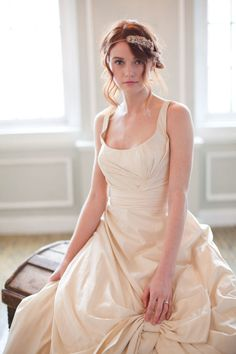 Audrey Hollister- the Queen of Illea The Selection, Selection Series, Maxon Schreave, Hollister Dresses, New York Photos, Vintage New York, Redhead Girl, Just Girly Things, Cute Dresses