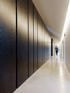 Storage corridor!! (Black)