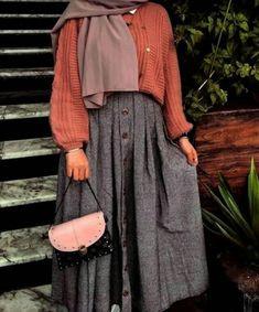 Modern Hijab Fashion, Muslim Fashion, Modest Fashion, Fashion Dresses, Modest Wear, Modest Outfits, Skirt Outfits, Skirt Ootd, Casual Hijab Outfit