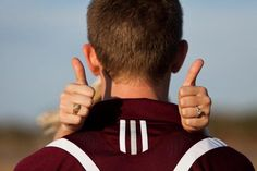 Gig 'em! cute engagement picture