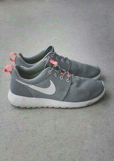 Beautiful shoes against the beautiful feet.  NIKE Shoes   Grey Nike Roshe 95f58c8f9