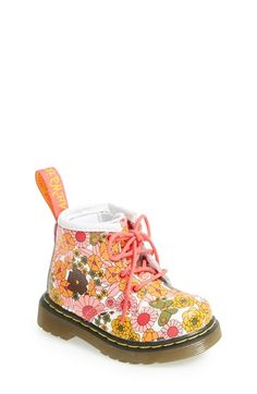 Für wenn Baby laufen kann. Aawww!! Dr. Martens 'Brooklee' Vintage Daisy Print Boot (Baby & Walker) available at #Nordstrom