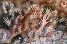 En Argentina, Patagonia, este es arte en el Cueva De Las Manos. Es muy interesante.