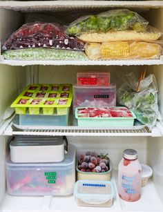 When it comes to saving food from the bin, freezers are our best friends. Here are our ultimate freezer tips, all in one handy place. Freezer Cooking, Freezer Meals, Cooking Tips, Freezer Storage, Freezer Hacks, Freezer Organization, Kitchen Organisation, Food Storage, Storage Ideas