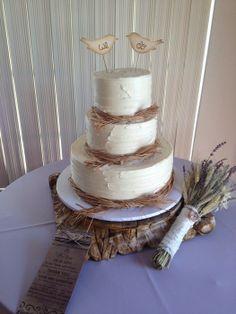 PERFECT wedding cake for a rustic wedding, farm wedding, country wedding, fall wedding. trycapsule.com