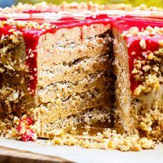 Торт «Москва» рецепт – русская кухня: выпечка и десерты. «Еда» Russian Desserts, Russian Recipes, Sweet Recipes, Cake Recipes, Russian Pastries, Puff Pastry Desserts, Napoleon Cake, Pasta Cake, Cooking Cake
