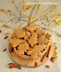 CIASTECZKA CYNAMONOWE (SZYBKIE) Gingerbread Cookies, Christmas Cookies, Cinnamon Cookies, Polish Recipes, Cupcake Cookies, Cooking Time, Sweet Recipes, Biscotti, Food Porn