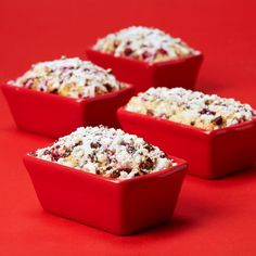 These mini loaves are the perfect treat for the holidays. Give them as gifts or enjoy with famil...