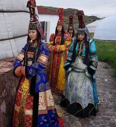 Altay Bölgesinde Sayan Dağlarında yaşayan Tiva Türkleri Cengiz Han'ın ordusunun en acımasız savaşçılarını oluşturuyordu.
