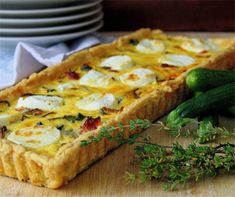 12 Flaky, crispy and buttery pie recipes for when soup just won't do Vegetarian Options, Vegetarian Recipes, Easy Weekday Meals, Best Pie, Feeding A Crowd, Meat Lovers, Tart Recipes, Creamy Chicken, Butter