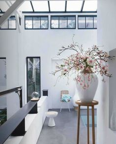 Sia Home Fashion Interior Decorating, Interior Design, Fake Flowers, Decoration, Interior Inspiration, House Styles, Furniture, Home Decor, Fashion