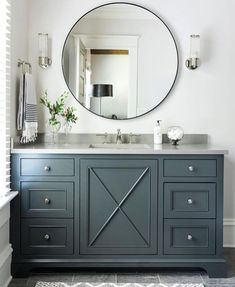Take a Look and enjoy the ideas about Bathroom remodeling on termin(ART)ors.com. | See also the ideas about Guest bathroom remodel, Master bath remodel and Bathroom ideas.  The picture we use here as a PIN is from: https://www.instagram.com/p/BZWban_l1Pu/