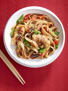Shrimp and Rice Noodle Stir Fry from Weelicious Shrimp Rice Noodles, Shrimp Stir Fry, Shrimp And Rice, Soba Noodles, Shrimp And Vegetables, Fried Vegetables, Sweet Potato Recipes, Baby Food Recipes, Dinner Recipes For Kids