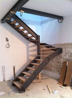 home stairs design ideas can attract the eyes. Choose between an art gallery, unique runner, and vintage design for your stairs. Home Stairs Design, Interior Stairs, Steel Stairs Design, Stair Design, Interior Paint, Loft Stairs, House Stairs, Escalier Design, Outdoor Stairs