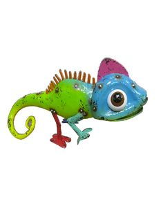 Cheeky Smiley Lizard is great for decorating both the indoors and outdoors Bird Sculpture, Sculptures, Cold Meals, Acacia Wood, Smiley, Pet Birds, Dinosaur Stuffed Animal, Outdoors, Decorating