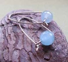 Aquamarine shimmers in a beautiful range of light blue tones, from light blue color of the sky to the deep blue sea color. Aquamarine is a magnificent,...