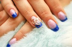 Blue tips with swirl manicure