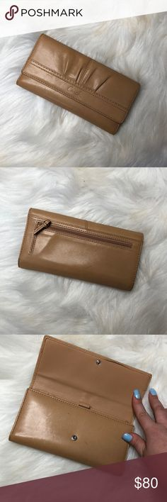 Coach Wallet Description: It does have a few marks on it but still in great condition.  ⚠️I always look through each item throughly once received and right before shipping, but things can be missed. Just let me know, so I can improve.⚠️  🚫NO TRADES/NO HOLDS🚫  Please ask questions❓  💜Thank you for checking out my closet and don't be afraid to submit an offer💜 Coach Bags Wallets