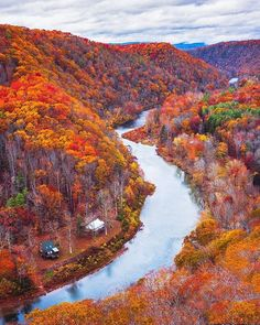 Can you imagine a more perfect autumnal scene than this one captured in West Virginia? Tap this image to take a look at our Instagram account for more travel photography.