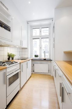 Best Galley Kitchen Design Ideas foor this year Part 36 ; galley kitchen with island; galley kitchen remodel before and after; White Galley Kitchens, Galley Kitchen Design, Small Kitchen Cabinets, Galley Kitchen Remodel, Kitchen Small, Kitchen White, Kitchen Modern, White Cabinets, Tiny Kitchens