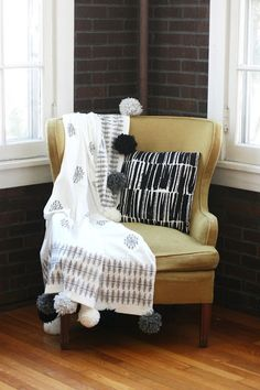 DIY Aztec Stamped Pom Pom Blanket. Diy Dorm DecorDiy ...