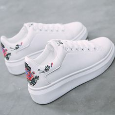 Women sneakers on the platform Embroider white designer sneakers for women heigh. Women sneakers on the platform Embroider white designer sneakers for women heigh. Designer Sneakers, Designer Shoes, Women's Shoes, Me Too Shoes, Shoe Boots, Fall Shoes, Jeans Shoes, Spring Shoes, Shoes Style