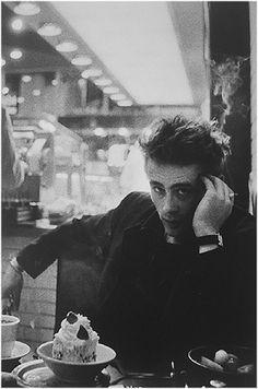James Dean in a diner in NYC in 1954 photographed by Dennis Stock #jamesdean