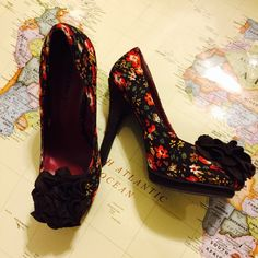 Shoes Beautiful 3 1/2 heeled shoes great for dress-up, jeans, flattering for any occasion! Madden Girl Shoes