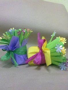 Valentine Crafts For Kids, Mothers Day Crafts, Easter Crafts, Holiday Crafts, Spring Crafts, Flower Crafts, Preschool Crafts, Diy For Kids, Paper Flowers