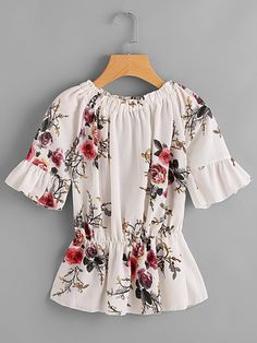 2017 Chiffon Blusas Print Flower Women Shirts Summer Short Sleeve Casual Blouses O neck Top Shirts camisa feminina Plus Size Floral Sleeve, Floral Blouse, Ruffle Sleeve, Floral Tops, Floral Prints, Camisa Feminina Plus Size, Neck Shirt, Chiffon Fabric, Manga