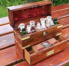 COFFRE DE MARINE ANGLAIS PHARMACIEN PHARMACIE APOTHICAIRE MEDECIN XIXème