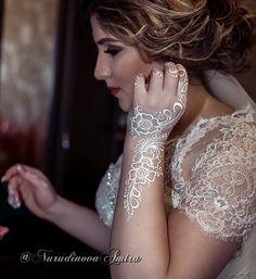 😻Как приятно когда, 💋девочки дорогие, присылают красивые фото хорошего качества💐большое за это СПАСИБО🙏 #свадьбавтольятти #вседлясвадьбытлт #моданамехенди #мехендимосква #мехендитлт #свадебноемехендитольятти #мастермехендитлт #mehndibyamira #хочумехенди #росписьхной #выделяйся #невеста #невестанекаквсе #красота #mastermehendi #Mehendiby #люблюсвоюработу #яжелаювсемсчастья  #семья #фотосессия #jewelry #happy #forever #whitemehndi #look #невеста2017
