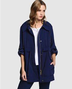 114b3d175f0 40 mejores imágenes de abrigo azul marino de Carolina herrera