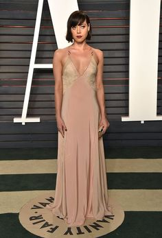 Pin for Later: 20 Times Aubrey Plaza's Outfit Flat Out Blew Us Away When She Was an Elegant (and Moody) Golden Goddess