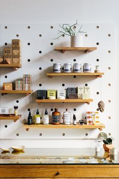 Joyelle west стена diy kitchen shelves, diy wall shelves и w Diy Kitchen Shelves, Kitchen Pegboard, Ikea Pegboard, Kitchen Decor, Hang Pegboard, Pegboard Garage, Pegboard Display, Kitchen Ideas, Kitchen Rack