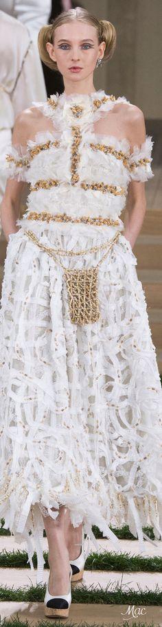 www.2locos.com Spring 2016 Haute Couture Chanel