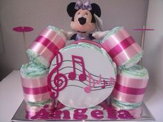 Un regalo con mucho ritmo para los bebés más marchosos. www.entretartasypanales.com www.facebook.com/entretartasypanales