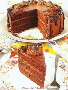 The Best Chocolate Cake ~ Culorile din farfurie recipe Romanian Desserts, Romanian Food, Romanian Recipes, Best Chocolate Cake, Cakes And More, Tiramisu, Cupcake, Dessert Recipes, Cooking Recipes