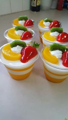 Simple and Easy Birthday Party Food for Kids - Jello Jelly Desserts, Asian Desserts, Party Desserts, Mini Desserts, Delicious Desserts, Gelatin Recipes, Jello Recipes, Mexican Food Recipes, Dessert Recipes