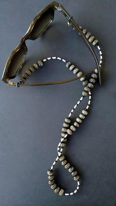Black and White Eyeglass Retainer, Eyeglass Strap, Eyeglass Chain, Sunglass Chain, Beaded Chain for Eyeglass Holder, Black Women Fashion, Band, Beaded Necklace, Chain, Etsy, White Sunglasses, Wooden Beads, Glasses Online