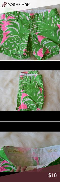 NWOT Cute Lily Pulitzer Tropical shorts Great for a sorority party or a tropical Oceanside vacation 🌴Brand new without tags! Size 00. Bright and happy Lilly Pulitzer Shorts