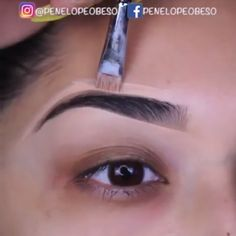 makeup 5 minute crafts makeup tips eye makeup best makeup list makeup glitter makeup tutorial for beginners makeup eyeliner makeup glam Eyebrow Makeup Tips, Makeup Eye Looks, Beautiful Eye Makeup, Smokey Eye Makeup, Hair Makeup, Makeup 101, Makeup Eyes, Beauty Make-up, Make Up Videos