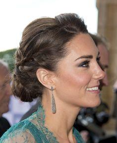 ¡Me encanta el recogido con trenzas de Kate Middleton! <3