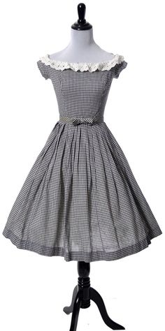Black and white gingham vintage dress from the with white eyelet lace trim and original bow belt that snaps into place. Dress has softly pleated ski Vintage Outfits, Robes Vintage, Vintage Dresses, 1950s Dresses, Vintage Clothing, Evening Dresses, Girls Dresses, Moda Vintage, Vintage Mode